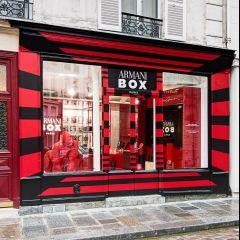 236de46369f6 Giorgio Armani inaugure l Armani Box, écrin Parisien coloré entièrement  dédié à la beauté par Melanie Mendelewitsch Les produits Armani ont enfin  leur lieu ...